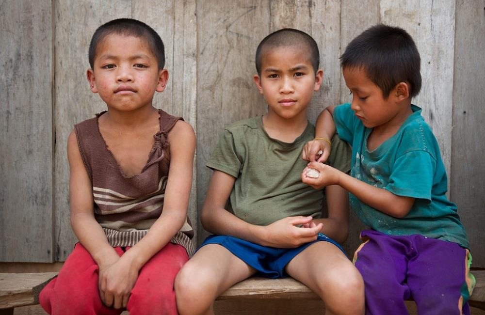 enfant village Laos